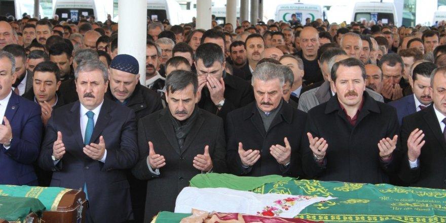 Önder Kahveci'nin Ablası Fikriye Kılıç Hanımefendi Ebediyete Uğurlandı