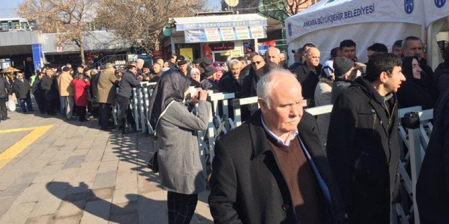 Ankara'da tanzim satış noktasına yoğun ilgi