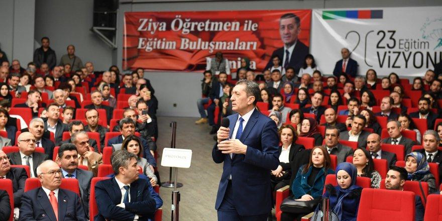 Bakan Selçuk: Meslek kanunu ile öğretmenlerin özlük haklarını...