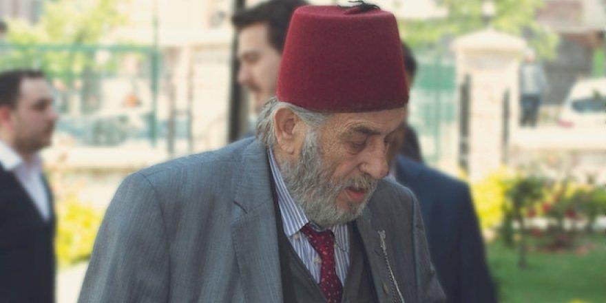 Ünlü tarihçi Kadir Mısıroğlu vefat etti