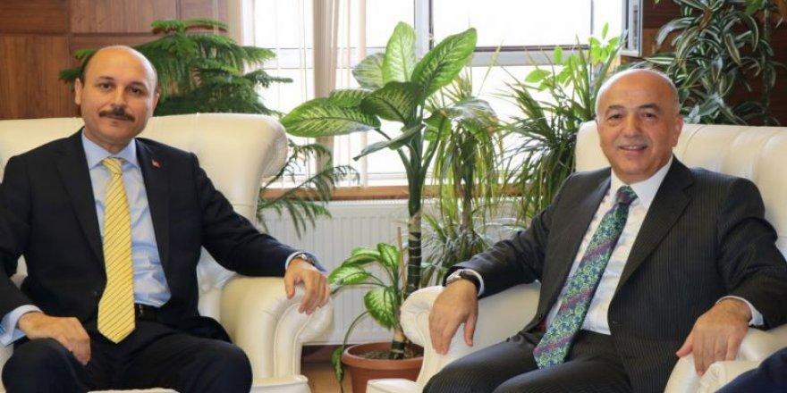 Orta Öğretim Genel Müdürü Yusuf Büyük, Talip Geylan'ı Ziyaret Etti