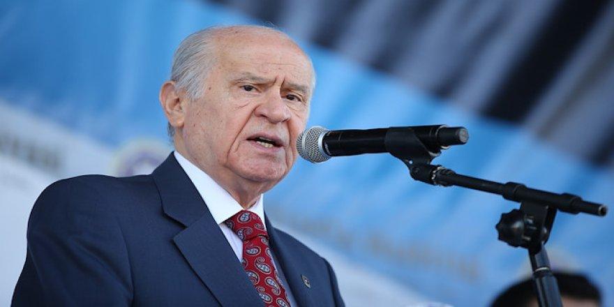 Bahçeli'den Davutoğlu'na: 'Serok Ahmet'