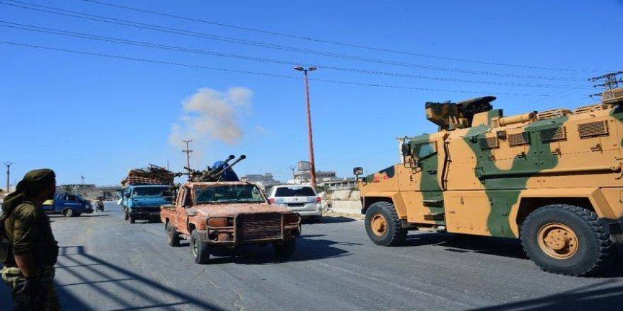 Suriye'de Türk konvoyuna hava saldırısı