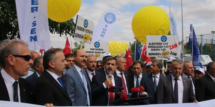 Türkiye Kamu-Sen Resti Çekti: Bütçe Onlarınsa, Meydanlar Bizimdir!