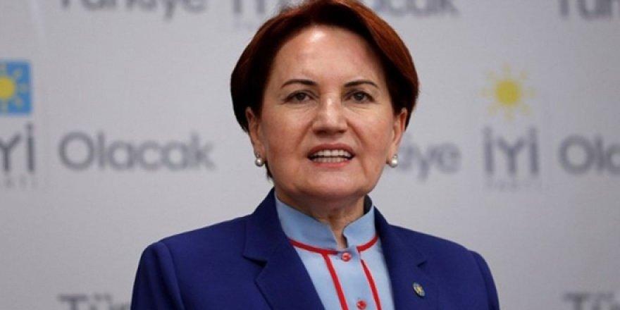 Akşener'den, Erdoğan ile tokalaşma açıklaması