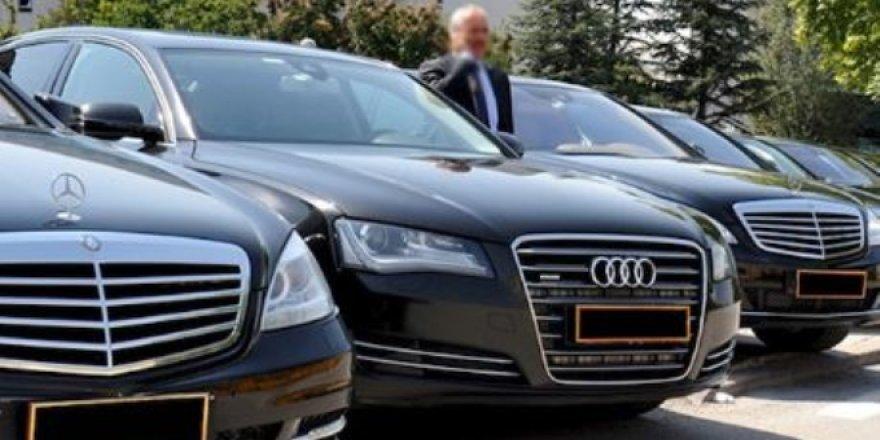 Belediye başkanı makam araçlarını toplattı