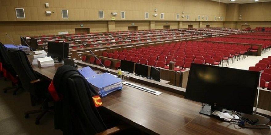 Öğretmene görevi başında hakarete 15 bin TL para cezası