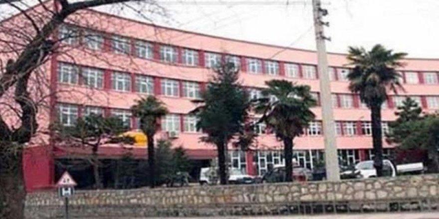 Tarihi okul otopark için yıkılacak