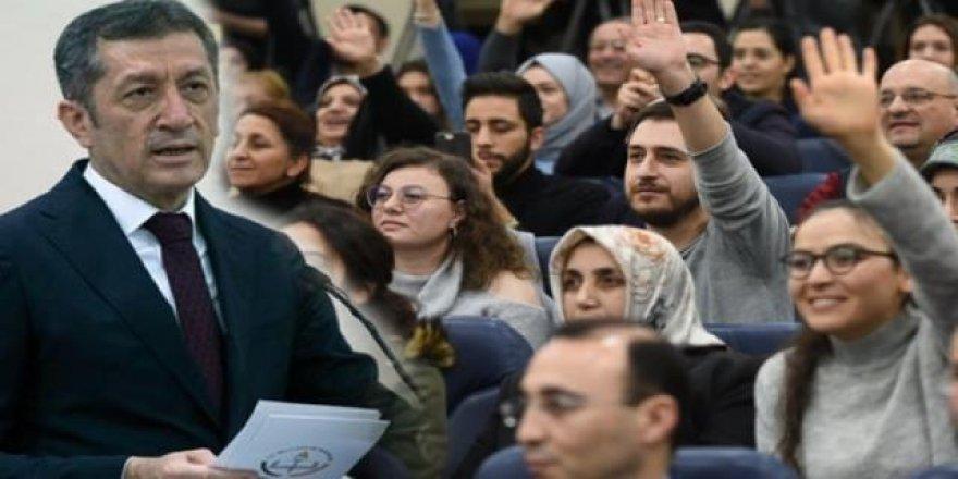 MEB Açıkladı: Kadrolu, Sözleşmeli ve Ücretli Öğretmenler Ne Kadar Maaş Alıyor?