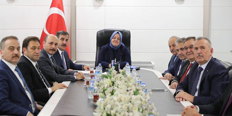 Türkiye Kamu-Sen ve Bakan Selçuk İşbirliği Yapacak!