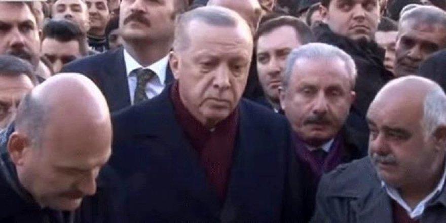 Erdoğan cenaze namazında gözyaşlarını tutamadı