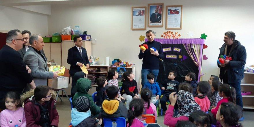 Bakan Selçuk Deprem Bölgesinde: Çocuklarımızla Bizzat İlgileneceğim!