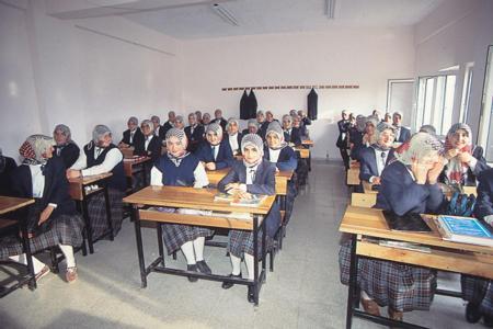 İmam Hatip Ortaokulu Haftalık Ders Çizelgesinde değişiklik