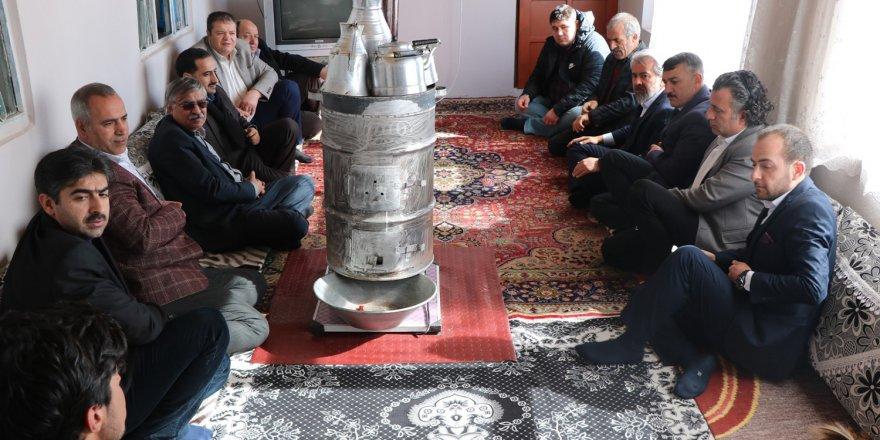Eğitim-Bir-Sen'den Van'da depremzedelere ve eğitim çalışanlarına ziyaret