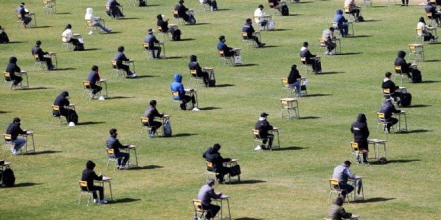 Bakan Selçuk: LGS sınavı açık havada ya da statlarda yapılabilir