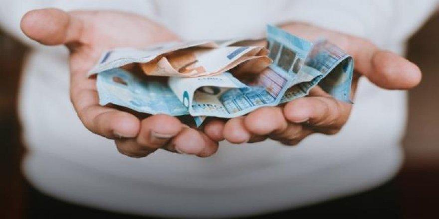 Koronadan Ölen İş Adamı İçin Korkutan İddia: Paradan Bulaştı!