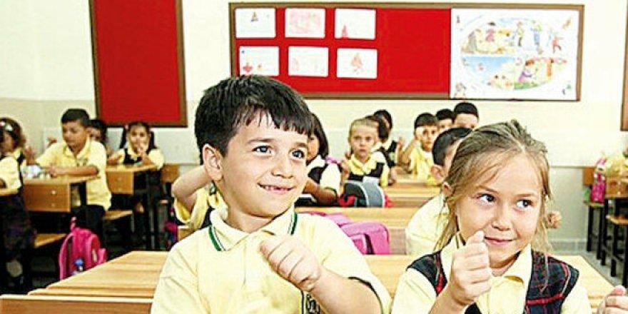 MEB, sosyal mesafe için sınıfları ikiye bölecek