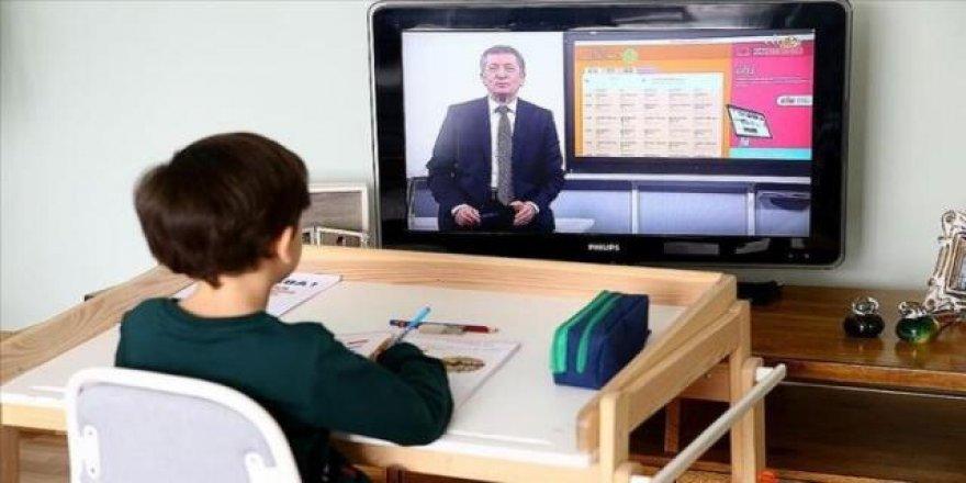 Temaslı veya şüpheli öğretmenler, ders görevini yapacak