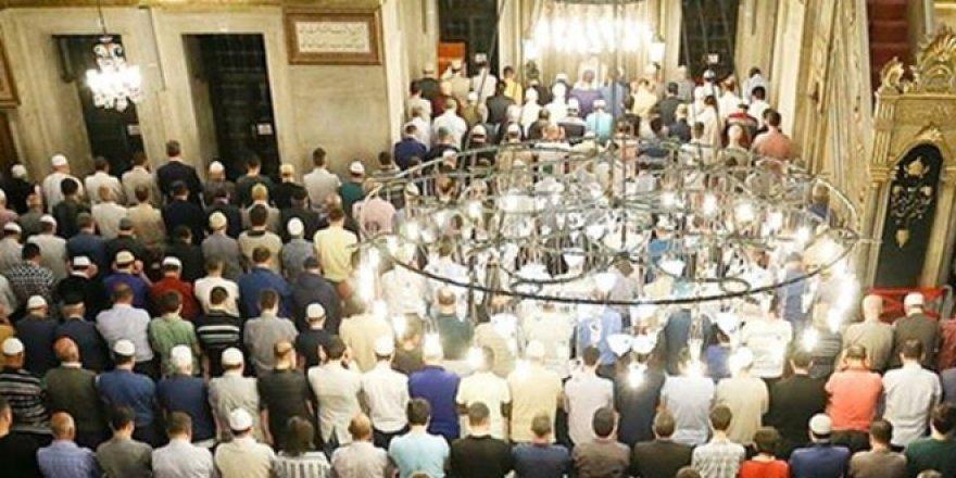 Camilerde, öğlen ve ikindi namazı cemaatle kılınacak
