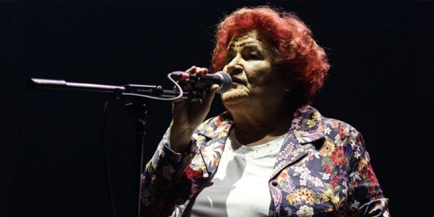 Selda Bağcan'dan cami hoparlörlerinden çalınan şarkıya tepki