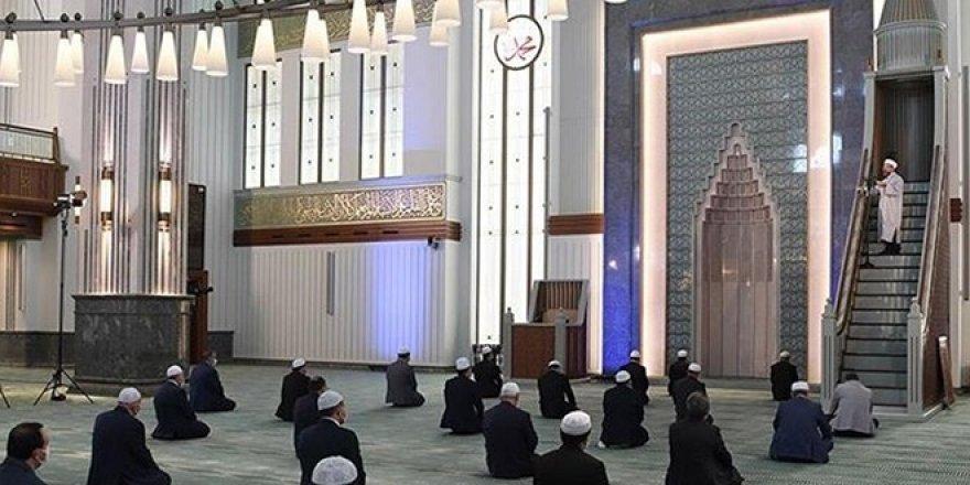Cuma namazı için açık olacak camiler belli oldu! Ankara, İstanbul, İzmir...