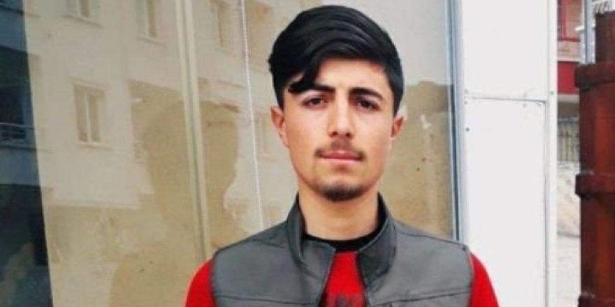 Valilik: Bıçakla öldürme, Kürtçe müzikten dolayı olmadı