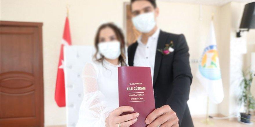 İçişleri Bakanlığı'ndan 24 maddelik nikah töreni genelgesi