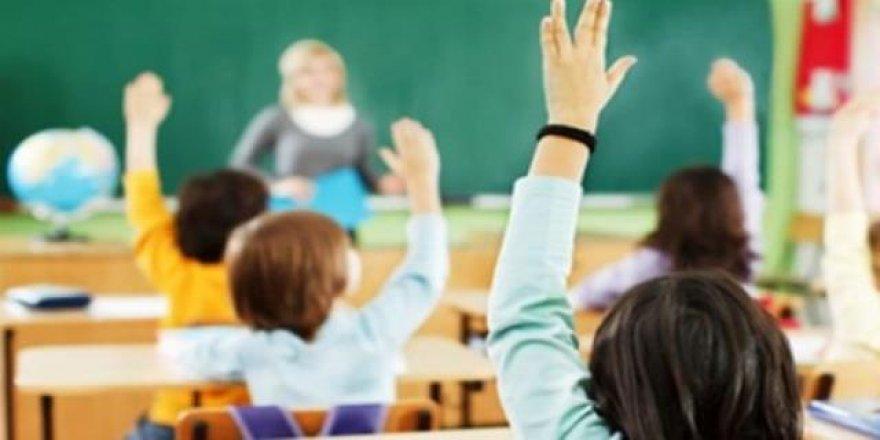 Okullar Eylül'de açılacak mı? Prof. Müftüoğlu: Unutun...