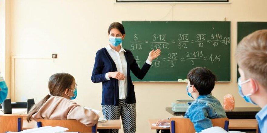 Vaka sayıları artıyor, peki okullar açılacak mı?