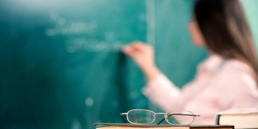 Göreve yeni başlayan sözleşmeli öğretmen ne kadar maaş almaktadır?