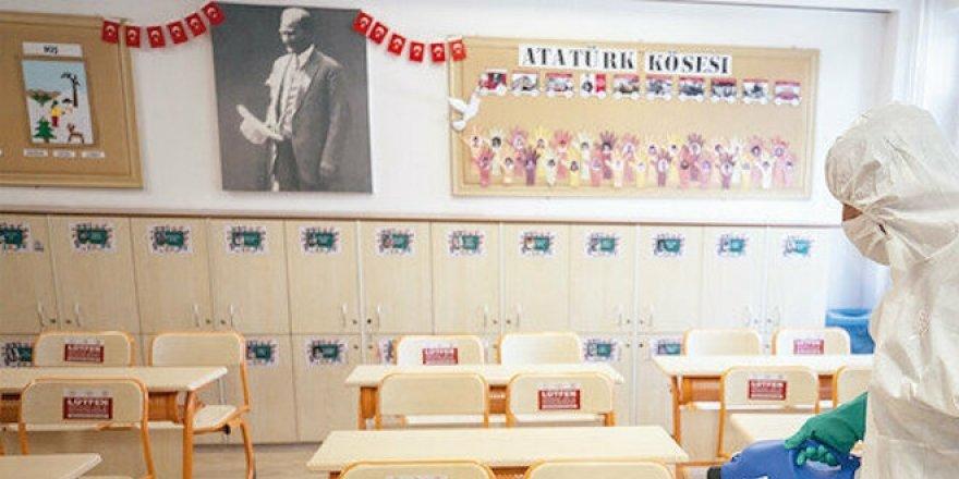 Okullar 6,5 ay sonra olağanüstü tedbirler altında açılıyor