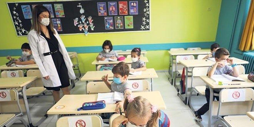 Eğitimde korona göçü yaşanıyor