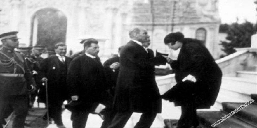 Yılmaz Özdil'den Atatürk'ün eniştesiyle ilgili ilginç ayrıntı!