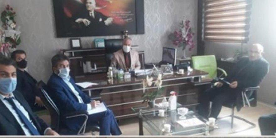 Sendika başkanına koltuk jesti yapan MEB ilçe müdürü istifa etti!