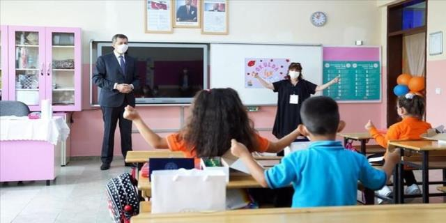 Öğretmenlerin TC'leri Sağlık Bakanlığı ile paylaşılıyor