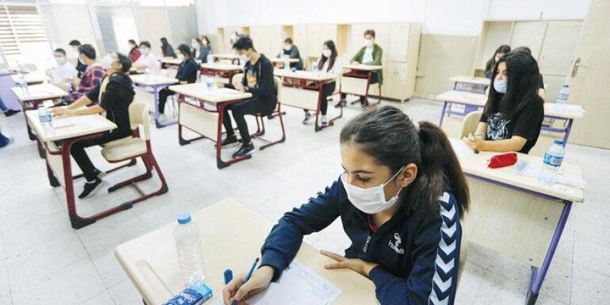 MEB'in Yazılı Sınav Israrı Pandemiye Pik Yaptıracak - 10 Milyon Öğrencinin Hareketliliği