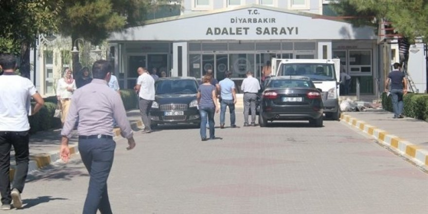 Derslerde PKK propagandası yapan öğretmen gözaltına alındı