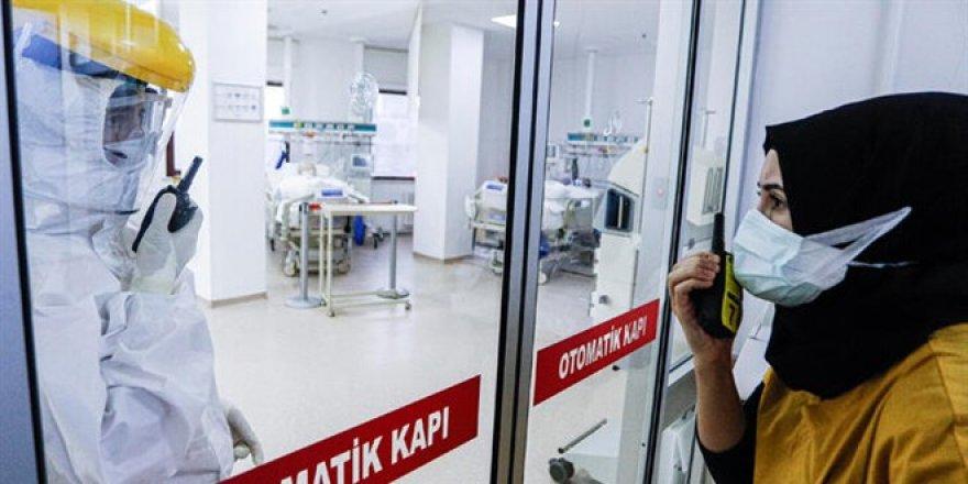 Ölümden dönen Prof. Saka konuştu: Geceden aşı kuyruğuna girerler