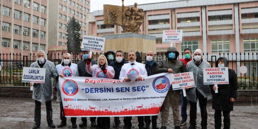 MEB Önünde Seçmeli Ders Protestosu! Özel Güvenlik Görevlileri Saldırısı İddiası!