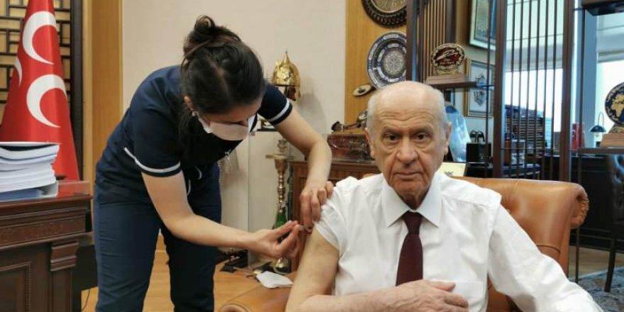 MHP Genel Başkanı Bahçeli, Kovid-19 aşısı yaptırdı