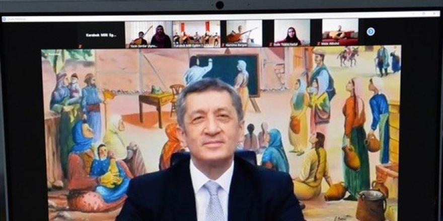 """Bakan Selçuk, Türkiye'nin Eğitimde Üst Sıralara Nasıl """"Tırmanıldığını"""" Anlattı!"""