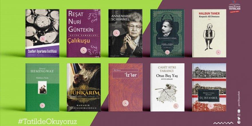 Bakan Kasapoğlu'ndan öğrencilere karne hediyesi 10 bin kitap