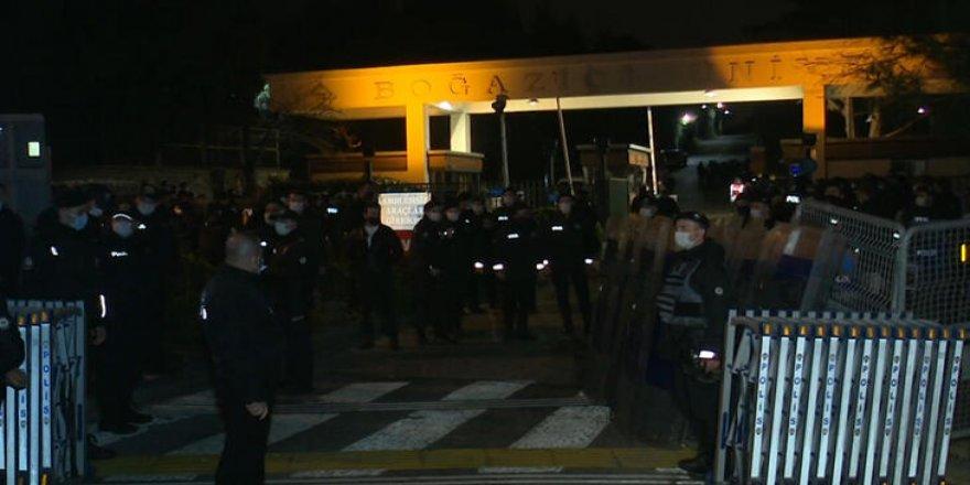 Provoke edici Boğaziçi paylaşımı yapan 8 kişi gözaltına alındı