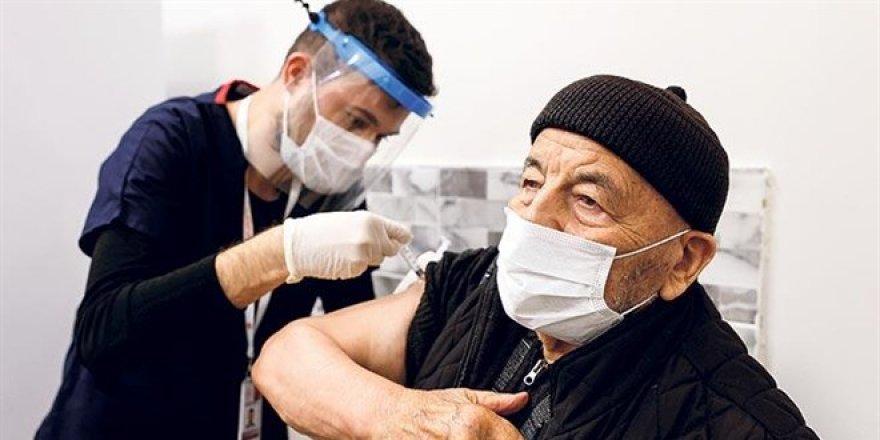 Aşıda randevu süresi tartışması: 5 dakikada 1 aşı...