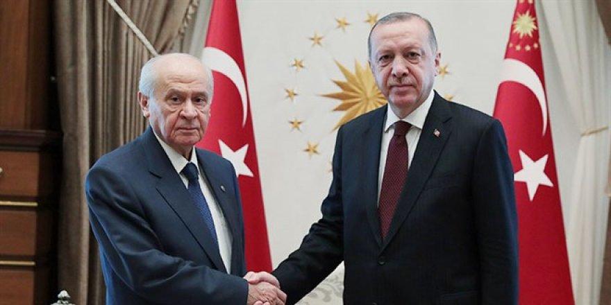 Erdoğan ile Bahçeli anlaştı! Anayasa için bilim kurulu oluşturuluyor