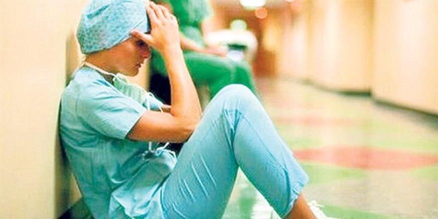Mobinge uğrayan doktorlar: Meslekten de yaşamaktan da soğudum