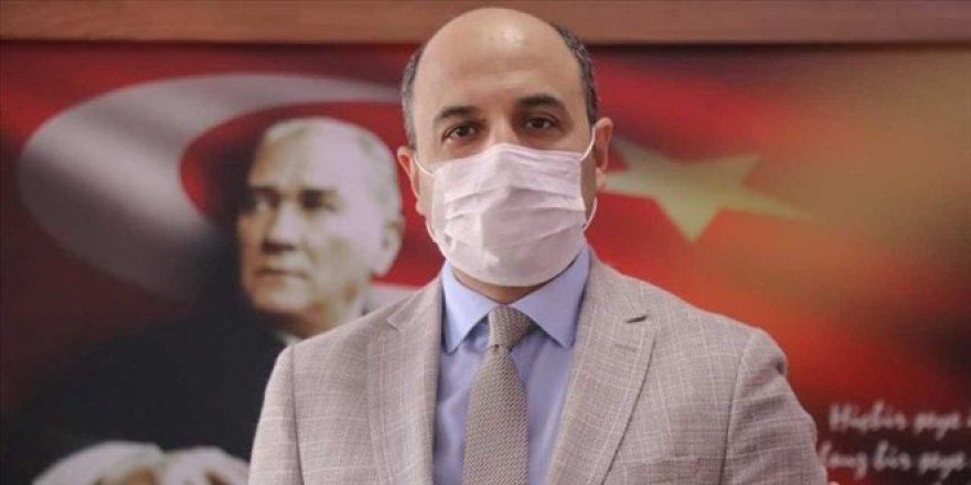 Kendini uçakla Ankara'ya sevk ettiren müdüre, Ak Parti'den tepki