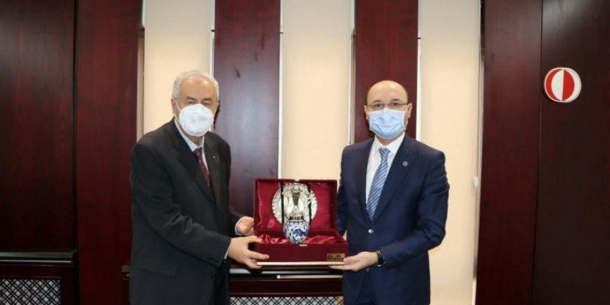 Geylan, ODTÜ Rektörü Prof. Dr. Mustafa Verşan Kök'ü ziyaret etti