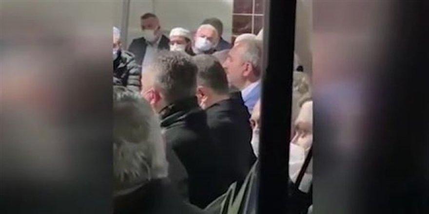 Adalet Bakanı Gül'den Kur'an-ı Kerim tilaveti