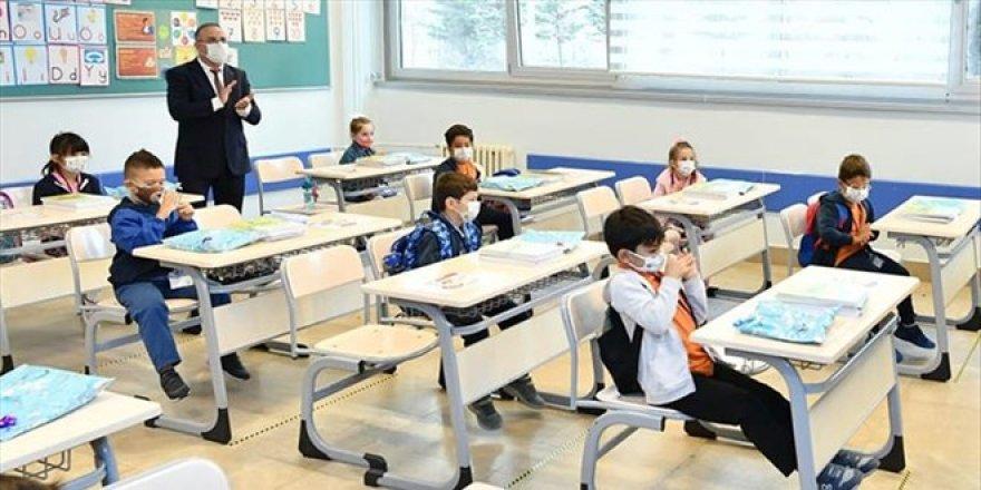 Bu ilde 8 ve 12. sınıflar hariç yüz yüze eğitime ara verildi